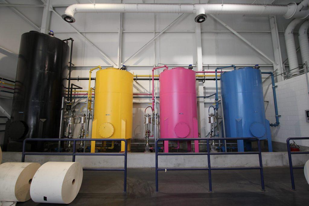 Gevulde containers voor niveaumeting