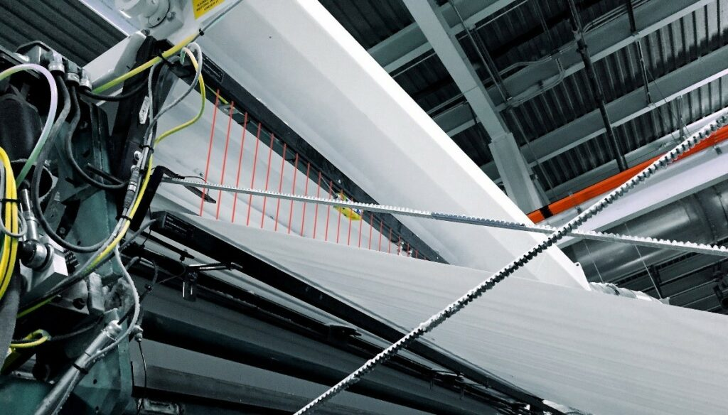 Papier- en pulpverwerking baanverloop en scheuren/breuken detectie